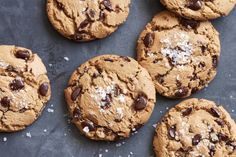 The Best Chocolate Chip Cookies - What's Gaby Cooking (For Matt) Köstliche Desserts, Delicious Desserts, Dessert Recipes, Cookie Time, Baking Recipes, Cookie Recipes, Nutella, Make Chocolate Chip Cookies, Chocolate Chips