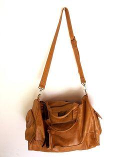 SALE. SOHO. travel bag / duffel bag / leather bag / por BaliELF