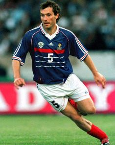 Laurent Blanc. Former french football player Played as defender/sweeper for for Montpellier, Napoli, Barcelona, Marseille, Internazionale and Manchester United and the French national footballteam.