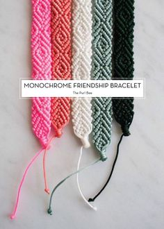 Monochrome Friendship Bracelet - pattern on The Purl Bee Jewelry Crafts, Handmade Jewelry, Handmade Bracelets, Handmade Beads, Bracelet Making, Diy Bracelet, Bracelet Charms, Macrame Bracelets, Bracelet Tutorial