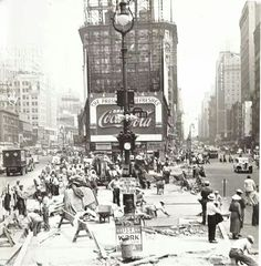 1936 Times Square facing North. WPA workers fixing the median