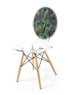 Chaise verre acrylique Graph pieds bois plumes paon - Acrila