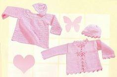 Розовое платье и шапочка