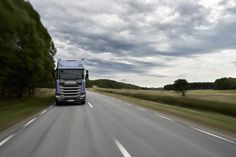 Scania and Ericsson are developing a remote control system for trucks. This is useful in those cases when the law prohibits the movement of vehicles without human control. Still it can be used in case of failures or problems in work of autonomous technologies (physical impossibility to estimate a situation or to bypass an object, not having broken SDA). This technology will be implemented through 5G.  #scania #ericsson #autonomous #autonomoustruck