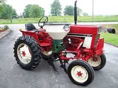 Interesting IH tractor.1086,1485 or 1586 International