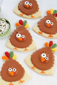 Simple Turkey Cookies - Thanksgiving Cookies are Sugar Cookies Decorated with Royal Icing www.thebearfootbaker.com