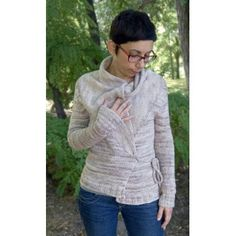 Ancient Soul is a comfortable, seamless cardigan mostly worked flat, from the top down. The cardigan features an easy combination of plain stst and rib, short rows to shape the wide collar, an i-cord closure and extra long raglan sleeves.Finished chest circumference30½ (34½, 38½, 42½, 46¾, 50¾, 54¾) inches/77.5 (87.5, 98, 108, 118.5, 129, 139) cm.Sample shown in size S on a 32 inch/81 cm bust.Materials♡ Malabrigo Merino Worsted (100% wool; 210 yds/192 meters per 100 gr) shown in Pale…
