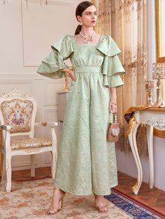 Elegant Outfit, Elegant Dresses, Vintage Dresses, Casual Dresses, Indian Designer Outfits, Designer Dresses, Classy Outfits, Beautiful Outfits, Modest Fashion