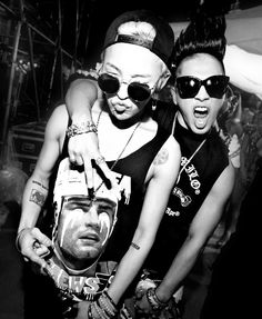 "It seems like Big Bang's Taeyang and G-Dragon have just been seen filming for their upcoming musical special on MBC's ""Infinity Challenge""! According to an insider source, G-Dragon and Taeyang officially began to film for the popular variety show on July 2ne1, Btob, K Pop, Yg Groups, G Dragon Black, Infinity Challenge, Big Bang Kpop, Culture Pop, Seungri"