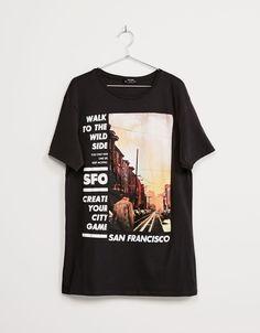 4c78bc092 Camiseta  Cities . Descubre ésta y muchas otras prendas en Bershka con  nuevos productos