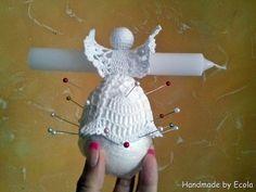 Handmade by Ecola - Krochmalenie Christmas Angel Ornaments, Crochet Christmas Ornaments, Crochet Snowflakes, Christmas Crafts For Gifts, Handmade Ornaments, Vintage Crochet Patterns, Crochet Flower Patterns, Crochet Flowers, Crochet Angels