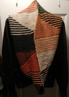 Ravelry: mimikins' Sprinkle Cowl - swooning at the colors