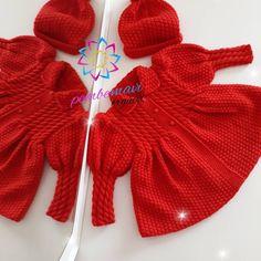 İyi akşamlarHırkamız teslim edildi bile Girls Knitted Dress, Knit Baby Dress, Knitted Baby Clothes, Baby Cardigan, Crochet Clothes, Toddler Knitting Patterns Free, Knitting For Kids, Crochet Baby Bonnet, Baby Girl Sweaters