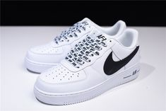 """Nike Air Force 1 Low """"NBA Pack"""" White-Black - Source by anna_ksna - White Nike Shoes, Black And White Shoes, White Nikes, Kd Shoes, Hype Shoes, Me Too Shoes, Shoes Style, Nike Shoes Air Force, Nike Air Force Ones"""