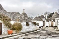 beautiful-trulli-houses-in-puglia-italy.jpg