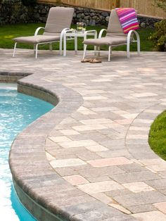 Paver pool deck with bullnose coping bricks