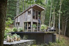 Scott Newkirk's handmade house in Yulan, New York built with old barnwood