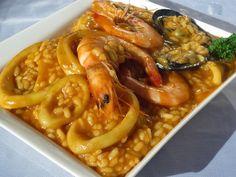 Como os prometí esta receta para Thermomix , aquí la tenéis, Arroz caldoso con calamares , una delicia superior!! Je, je,je .
