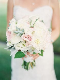 Pink and white bouquet. Photography: Jeremiah And Rachel Photography - jeremiahandrachel.com