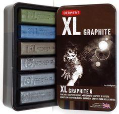 Derwent XL Graphite liidut ovat paksuja vesiliukoisia liituja, jotka luovat pehmeitä ja voimakkaita linjoja.