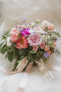 Colorful Pink Bouquet | photography by http://www.elizabethinlove.com/