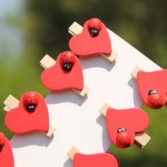 Crianças Festa de Aniversário Favorece Mini Clipes de Madeira Artesanato Pegs Coração Vermelho com Top Joaninha 8 Pcs em   de   no AliExpress.com | Alibaba Group