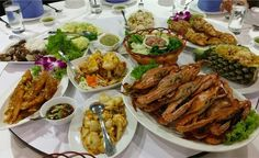 10 Best Local Seafood Restaurants in Phuket http://www.thephuketvillas.com/2015/09/10-best-local-seafood-restaurants-in-phuket/