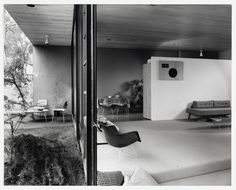 Case Study House No. 9 by Charles Eames and Eero Saarinen  Photography by Julius Shulman