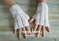 Happy Berry Crochet: How To Crochet Iris Stitch Finger-less Mitten Wrist Warmers Would love to try this with lace wt yarn