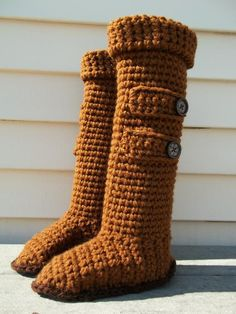 Knee High Ugg Slipper Boots: free crochet pattern