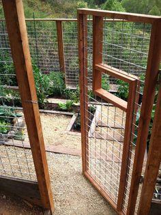 Welded wire deer fence