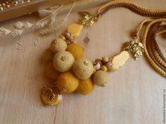 """Купить Колье""""Сладкая корочка"""" - желтый, бусы из войлока, желтый цвет, горчичный цвет, натуральные материалы"""