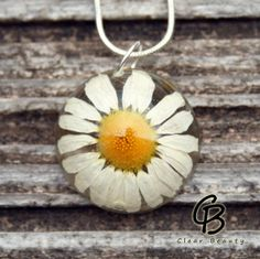 Unique Large Daisy Pendant  1 inch F9 by ClearBeauty on Etsy, £14.00
