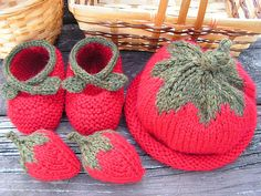strawberry knit baby set - all free knitting patterns