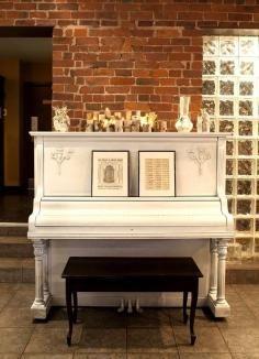 Furniture / DIY: Entryway Table - CotCozy