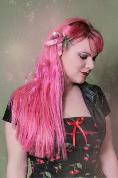 Bunte Farben - SchneePunzel - professionelle Haarverlängerungen und Dreadlocks Elegant, Hair Extensions, Rocks, Dreadlocks, Rosa Hair, Professional Hair Extensions, Classy, Weave Hair Extensions, Chic