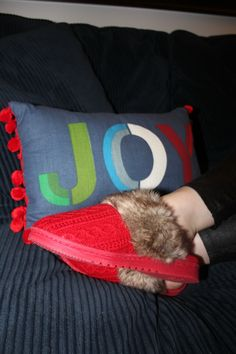 @Dearfoams slippers make a great holiday gift! Give the gift of #ComfortAndJoy AD