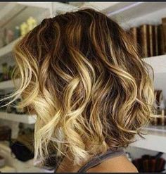 35 Short Ombre Hair Color Ideas for Brunettes That Are Trending for Short Ombre Hair Are you looking for short hair ombre? Then these 35 short ombre hair color ideas for brunettes that are trending for 2019 will be yo. Hair Styles 2016, Medium Hair Styles, Curly Hair Styles, Haircuts For Wavy Hair, Bob Hairstyles, Bob Haircuts, Trendy Haircuts, Amazing Hairstyles, Brown Hair With Blonde Highlights