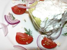 Steakhouse Wedge Salad Recipe, a delicious, simple and healthy Wedge Salad. This salad is keto, low carb, gluten free and vegetarian! Wedge Salad Recipes, Caprese Salad Recipe, Italian Salad Recipes, Summer Salad Recipes, Vegetarian Recipes, Lettuce Wedge Salad, Iceberg Wedge Salad, Cheese Wedge, Blue Cheese