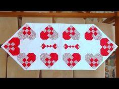 Caminho (trilho) de mesa em patchwork Corações - Patchwork Maria Adna - Técnica patchwork nine patch