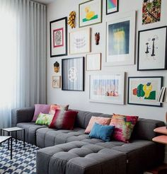 Elle Decor, Gray Sofa, Small Living Rooms, Modern Living, Dream Decor, Diy Home Decor, Gallery Wall, Contemporary, Frame