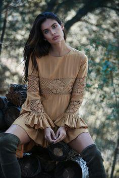 Sara Sampaio for Tularosa Fall 2016 Look Boho, Sara Sampaio, Elegantes Outfit, White Girls, Malta, Gorgeous Women, Beautiful, Autumn Winter Fashion, Female Models