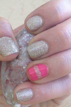 Mis uñas doradas y coral