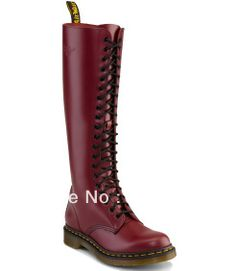 Shop Women's Boots on the official Dr. Martens like the 1460 Boot, 1460 Forlife Boot, and Vegan 1460 Boot in a variety of leathers, textures and colours. Good Work Boots, Cool Boots, Dm Boots, Skinhead Boots, Dr Martens Store, Horse Riding Boots, Doc Martens Boots, Thigh High Boots, Sock Shoes