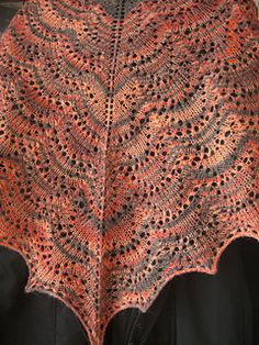Beggin in english (sorry, my english is very old) Free Knit Shawl Patterns, Lace Patterns, Free Pattern, Knitting Patterns, Crochet Patterns, Knitted Shawls, Lace Shawls, Lace Knitting, Pulls