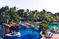 Royalton Hicacos Resort & Spa | Varadero, Kuuba | Signature-hotelli Tjäreborgilta Varadero, Cuba Travel, Varanasi, Resort Spa, Holidays, Outdoor Decor, Holidays Events, Holiday, Vacation