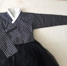 Modern Hanbok, Korean Fashion, Women's Fashion, Korean Outfits, Dress Outfits, Dresses, Traditional Outfits, Asia, Bell Sleeve Top