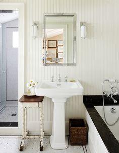 Photographer: Janet Kimber, Designer: Philip Mitchell Design Inc. (via House & Home)
