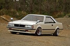Toyota Car Models, Toyota Cars, Toyota Corona, Ae86, Japanese Cars, Jdm Cars, Car Photography, Retro Cars, Classic Cars