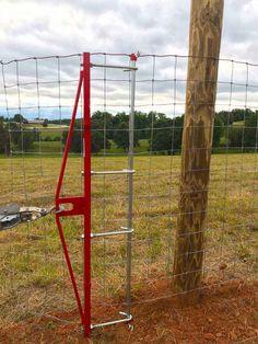 Diy Backyard Fence, Diy Privacy Fence, Backyard Fences, Backyard Landscaping, Hog Wire Fence, Farm Fence, Fence Gate, Fencing Tools, Horse Fencing